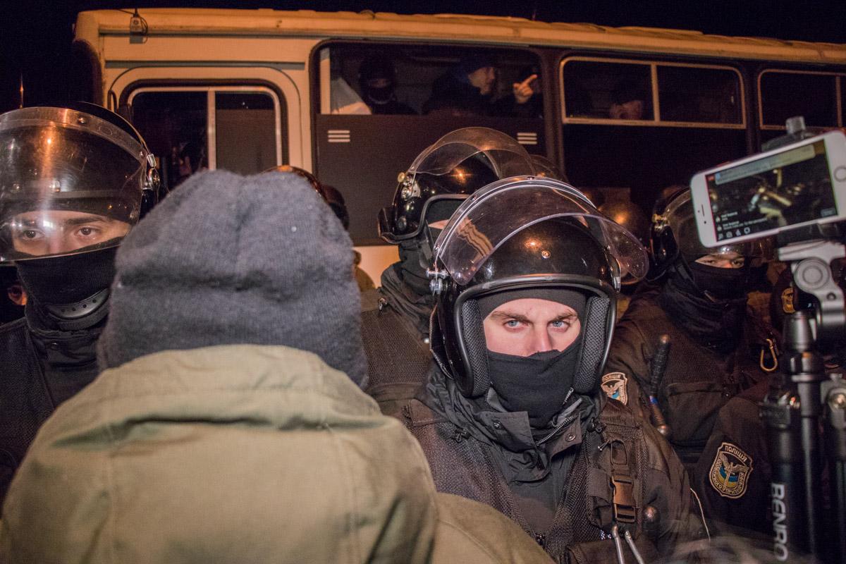 Активисты в отношении силовиков вели себя вызывающе