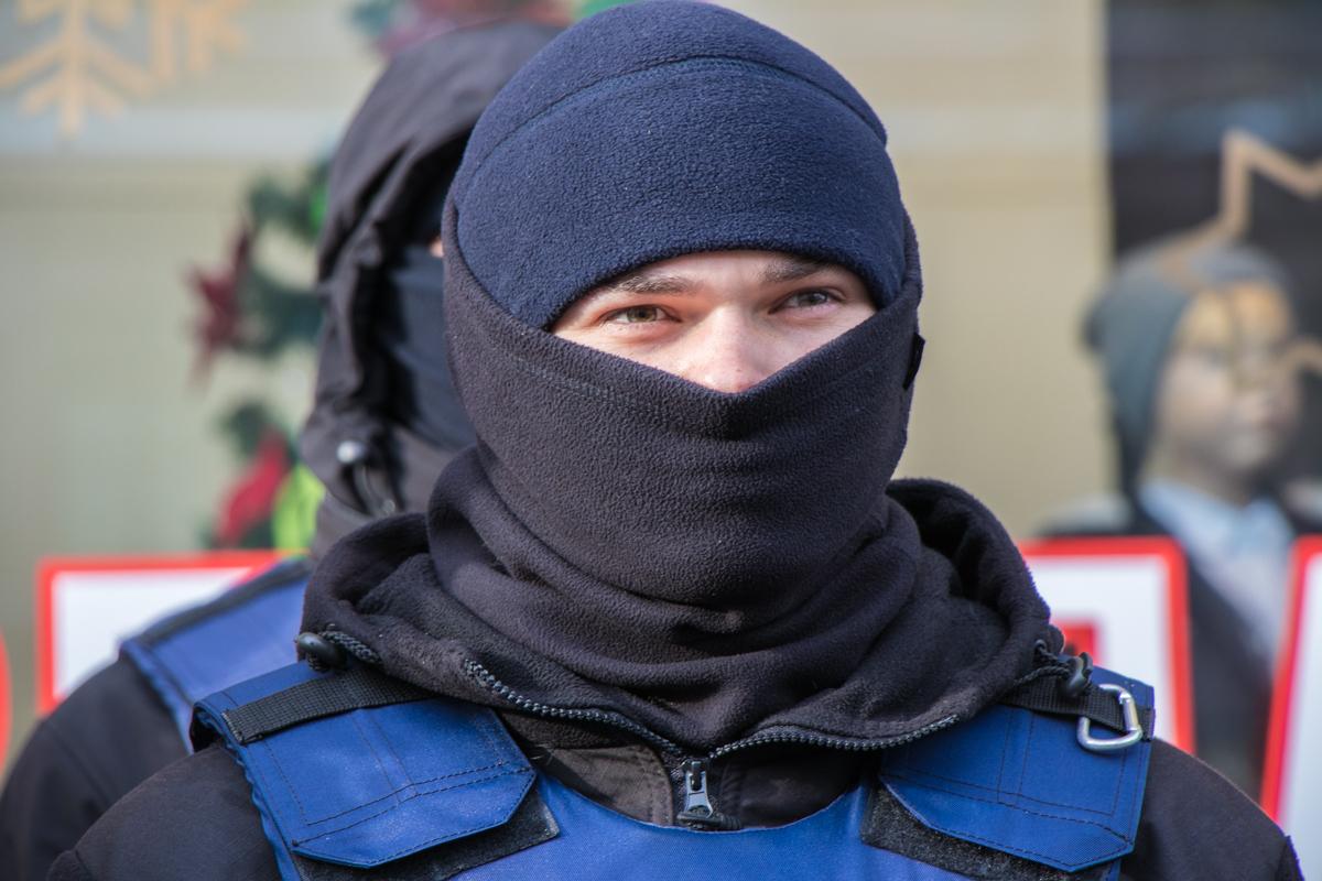 В центре Киева за порядком следит огромное количество правоохранителей