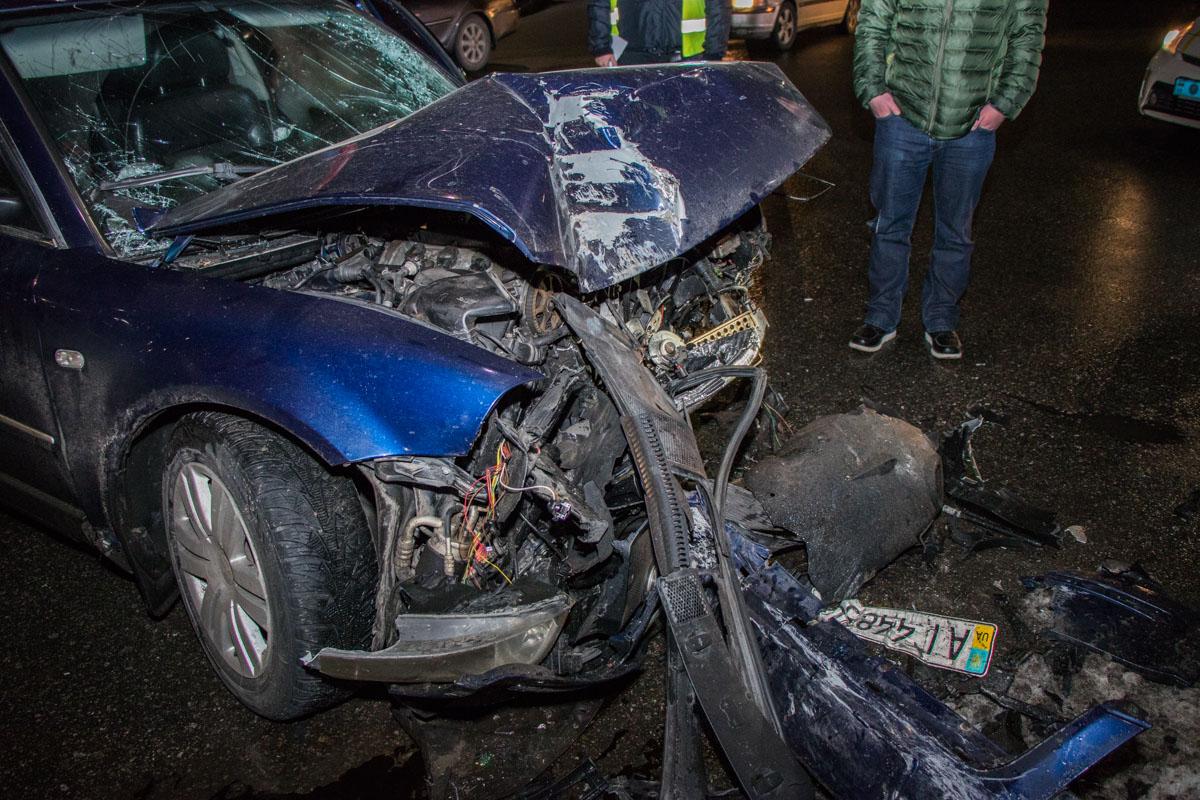 С места аварии автомобиль уехал на эвакуаторе