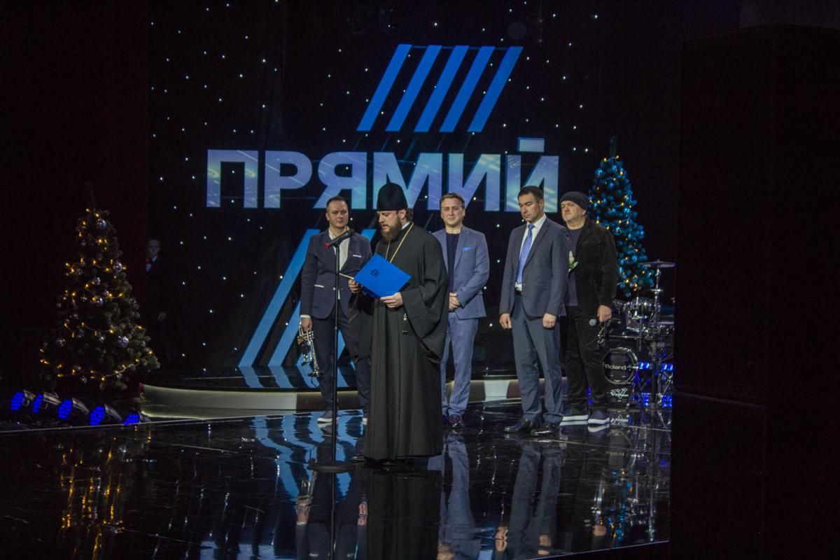 Маленьких спортсменов, артистов и ученых награждали знаменитости в рамках премии Будущее нации.