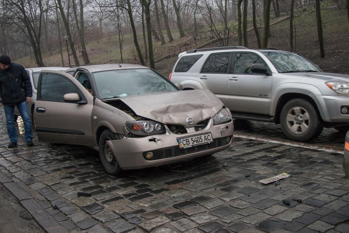 В центре столицы в ДТП попали три автомобиля