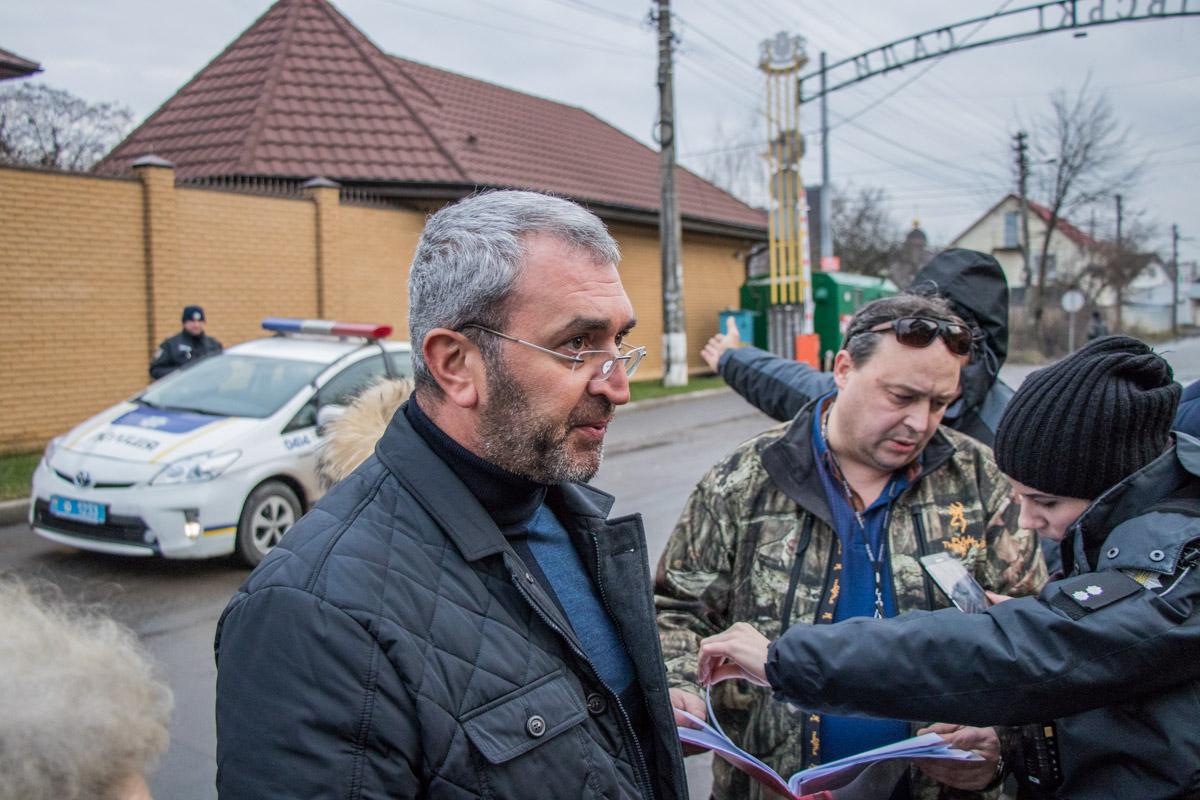 Оганисий Ангайк не соглашается с претензиями жителей Садов