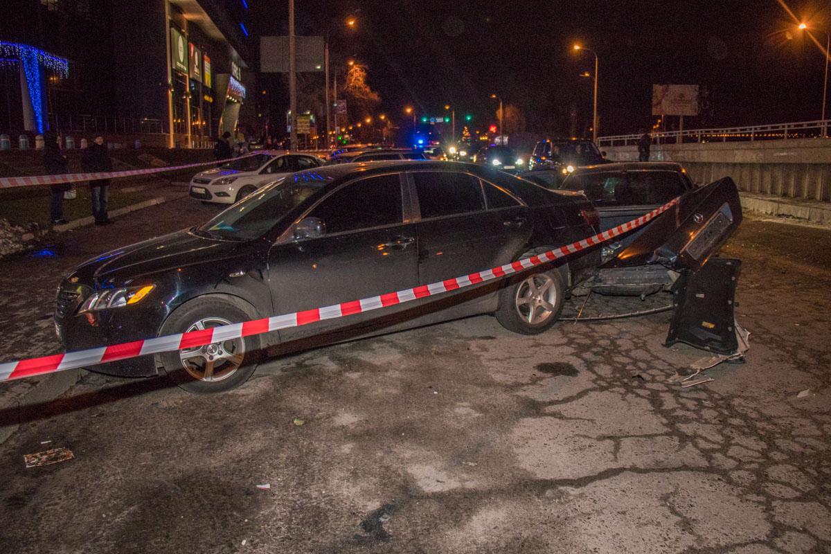 На Днепровской набережной в результате аварии пробки не образовалось