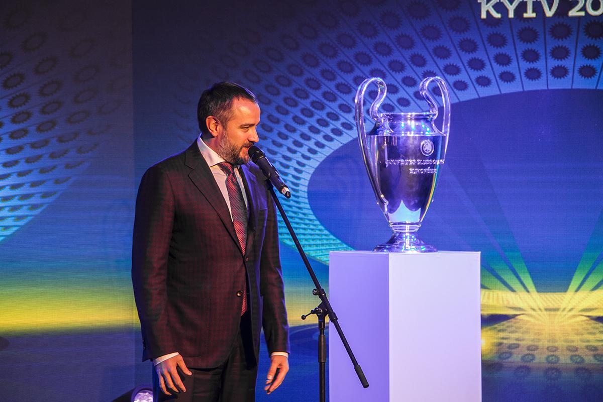 На презентации выступил президент Федерации футбола Украины Андрей Павелко