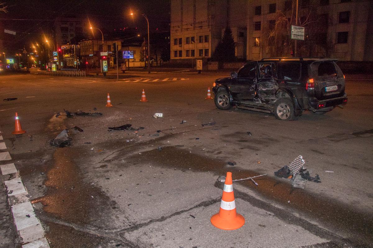 ДТП произошло на пересечении улиц Староноводницкой и Алмазова