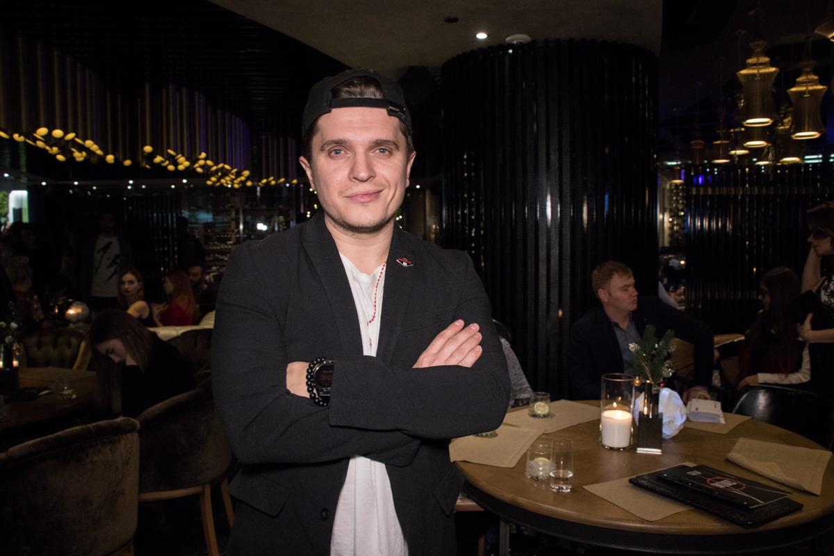 Стало известно, что ведущим премии YUNA-2018 будет Анатолий Анатолич