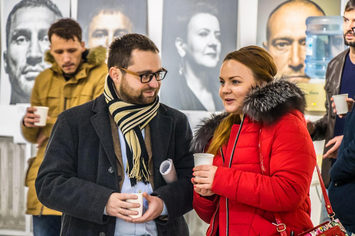 Перед аукционом многие гости встретили знакомых