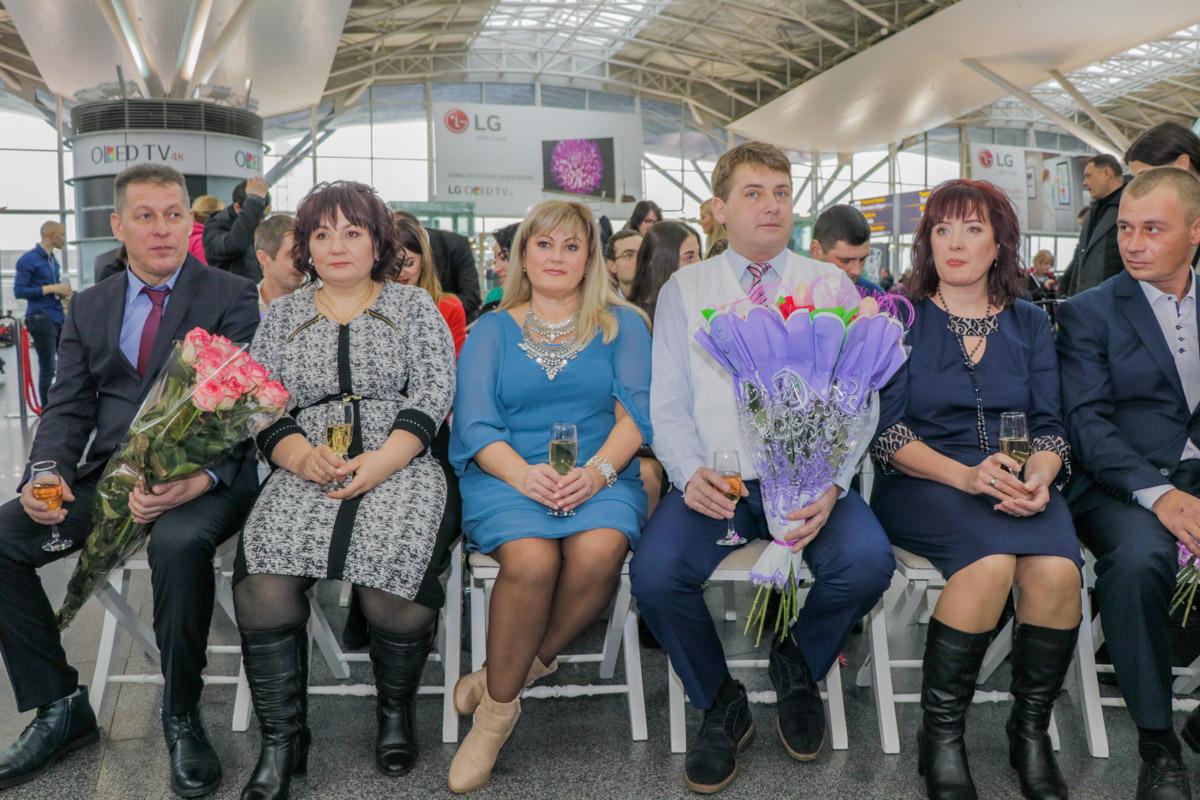 """В киевском международном аэропорту """"Борисполь"""" в пятницу состоялась первая свадьба"""