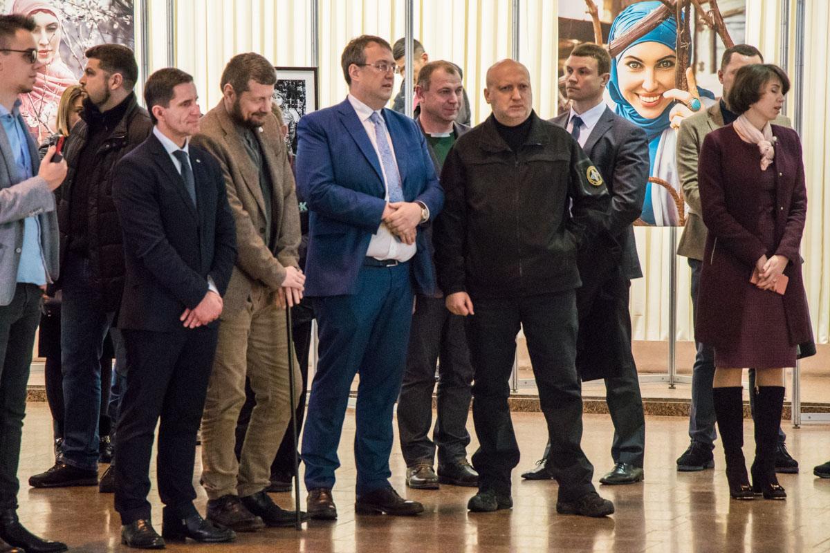 На открытии выставки присутствовали Зорян Шкиряк, Игорь Мосийчук, Антон Геращенко и Александр Турчинов