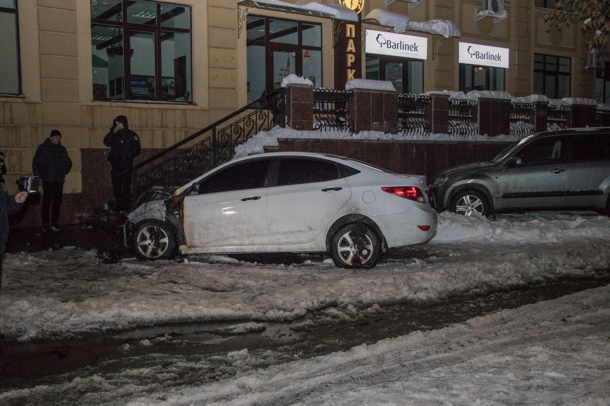 Автомобиль стоял на улице Полтавская