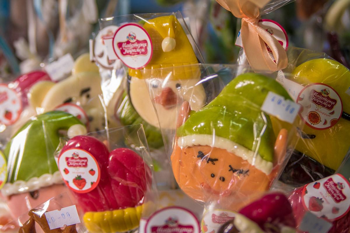 Новогодние конфетные звери скоро станут подарками