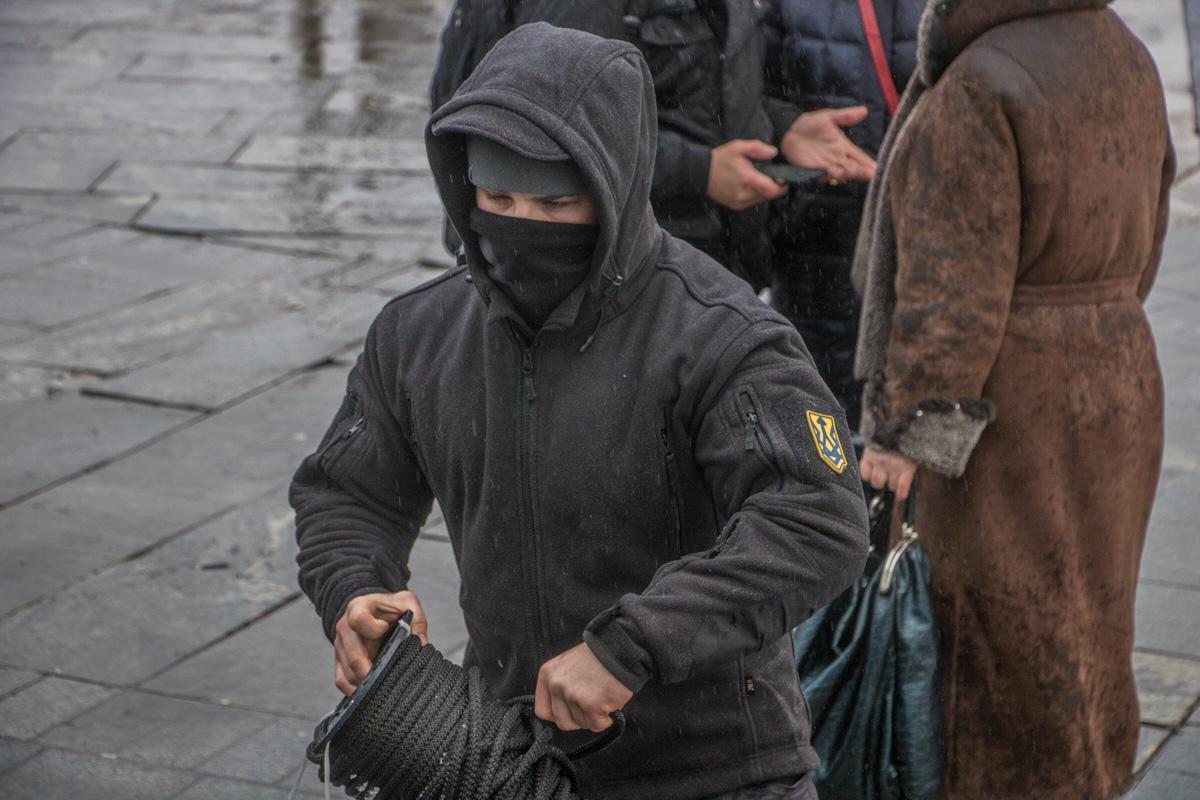 """В течение акции произошла небольшая стычка с участием молодых людей из """"Нацкорпуса"""""""