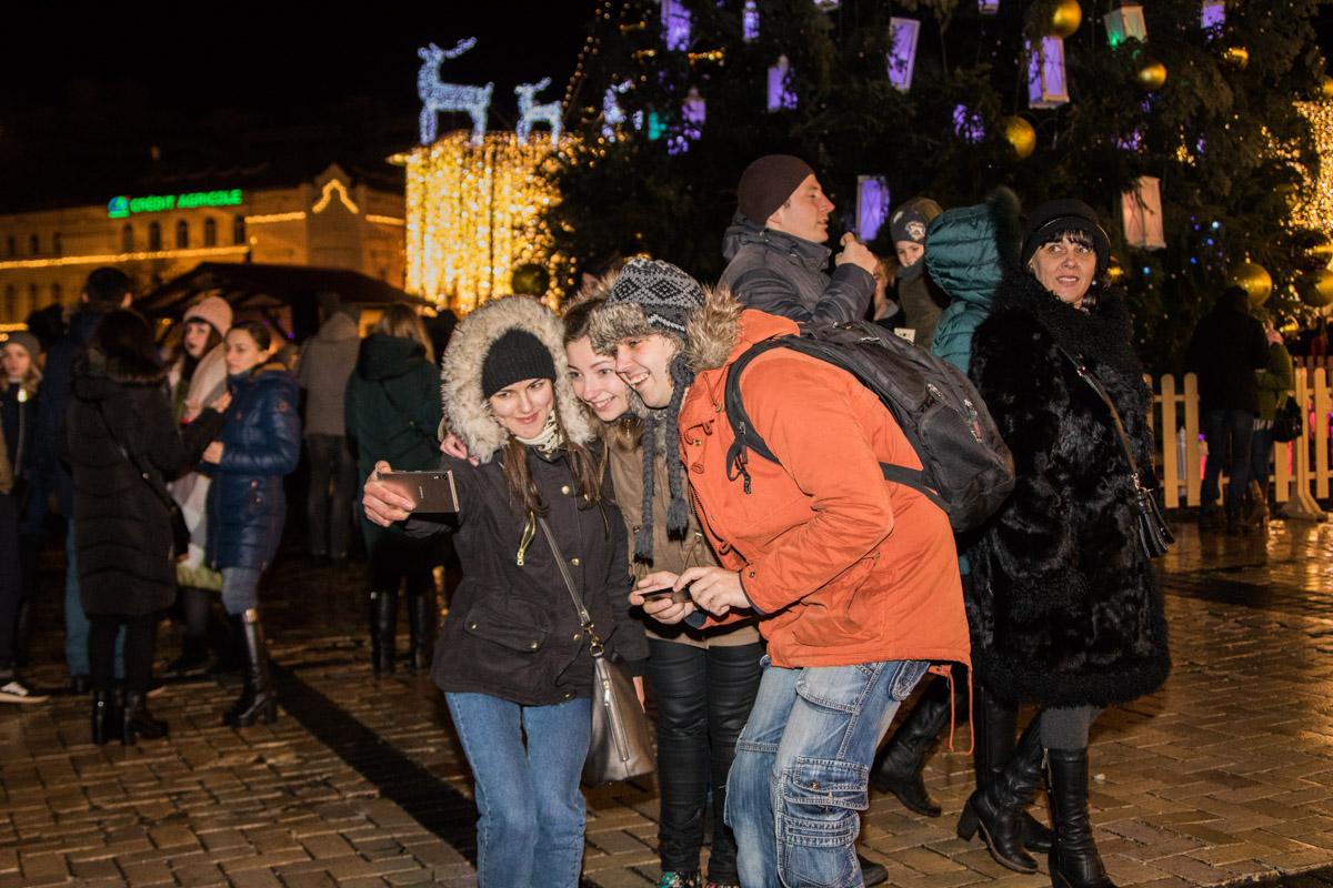 В Киеве на Софийской площади отпраздновали католическое