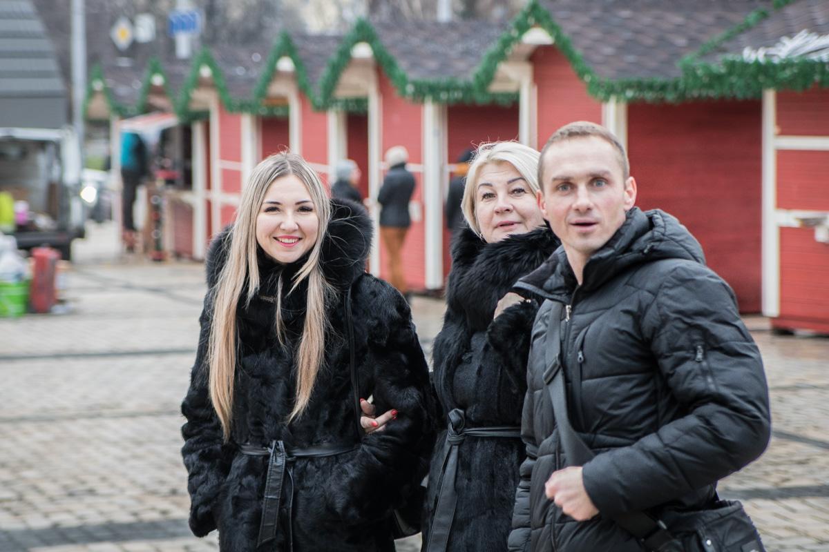 Киевляне положительно реагируют на украшение зеленой красавицы