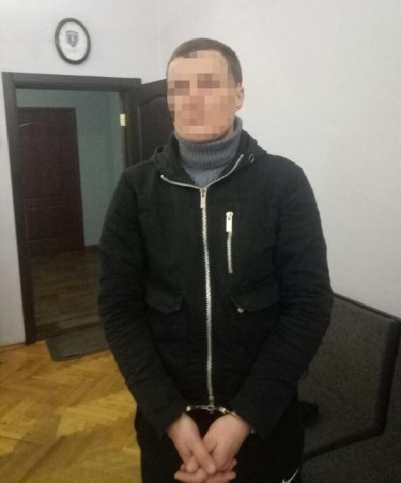Мужчину задержали после третьего ограбления одного и того же заведения