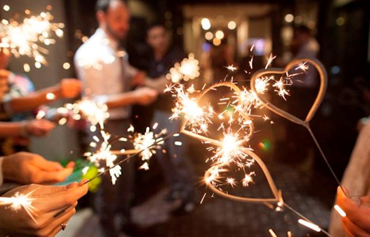 Одновременно зажигать бенгальские огни собираются более 500 человек