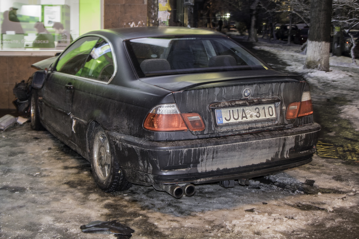 По словам владельца, авто на литовский номерах не подлежит восстановлению