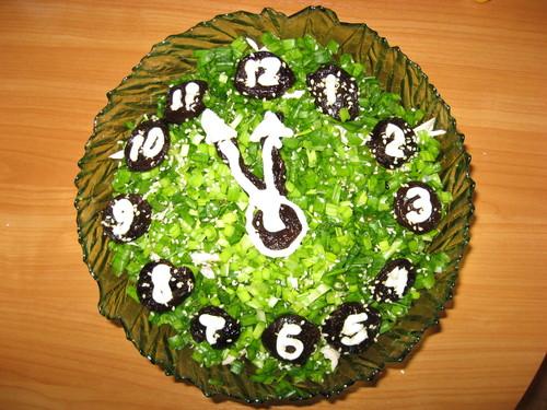 Праздничный салат «Курочка под зеленой шубой»