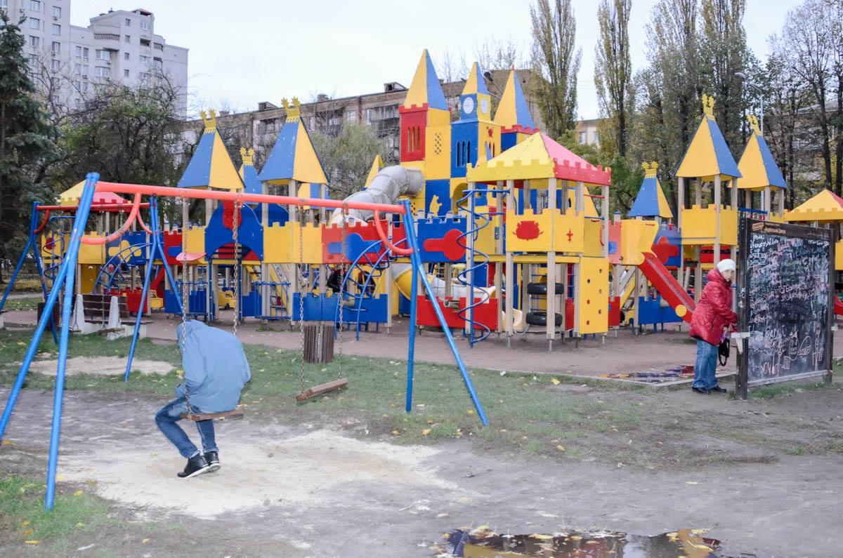 В парке «Юность» самая большая и яркая детская площадка в районе