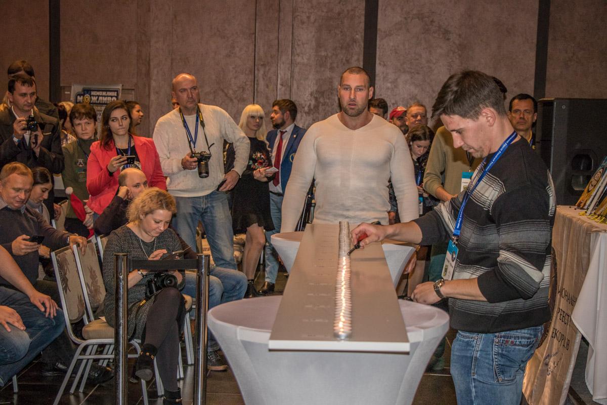 Беларус Кирилл Шимко поставил рекорд по наибольшему количеству задутых свечей