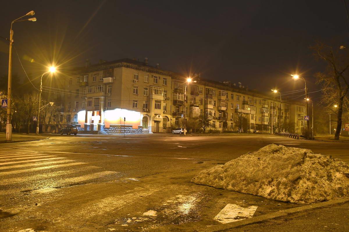 Ночью улицы совершенно пустынны