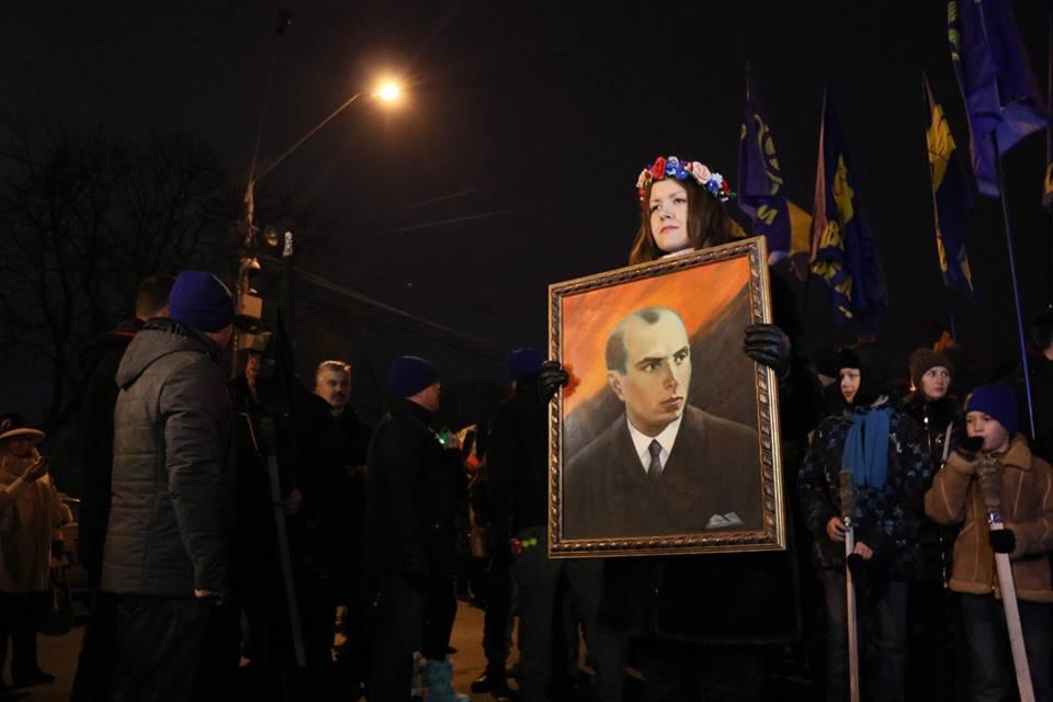 Шествие проводят в честь лидера ОУН Степана Бандеры