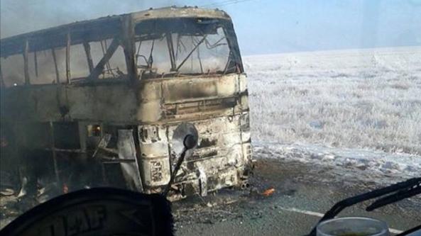 В результате возгорания автобуса с пассажирами в Казахстане погибли 52 человека