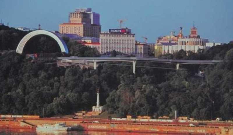 На Владимирской горке планируют сделать пешеходный мост с велодорожками