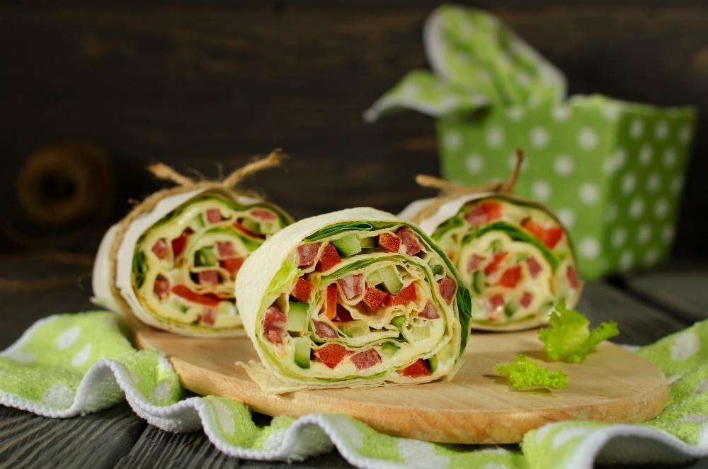 Запеченный лаваш с овощами
