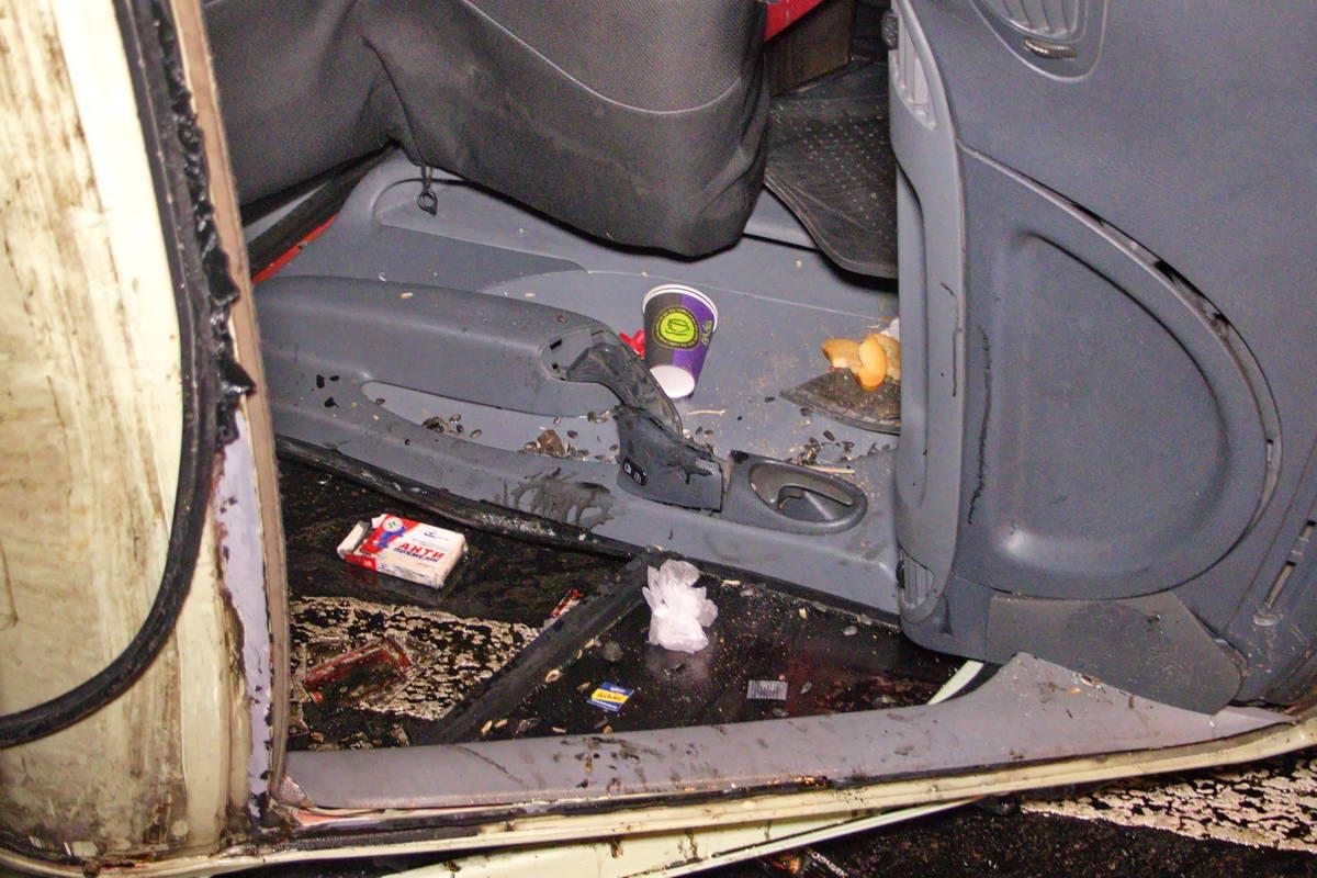 Водитель самостоятельно выбрался из перевернувшейся машины