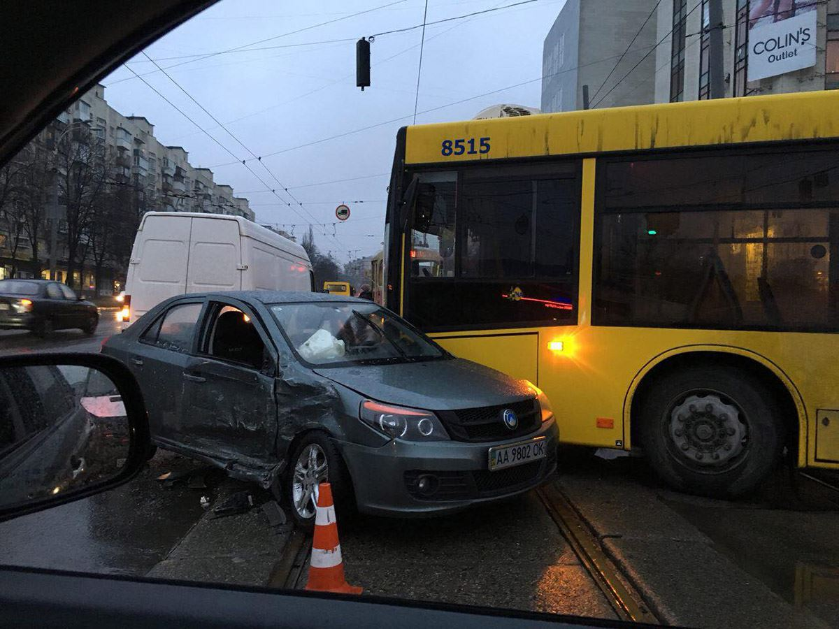 Пострадала пассажир легковушки