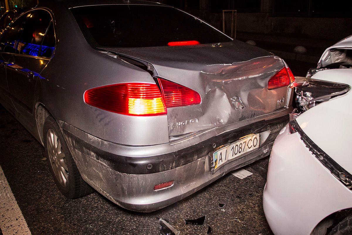 У всех машин незначительные повреждения после столкновения
