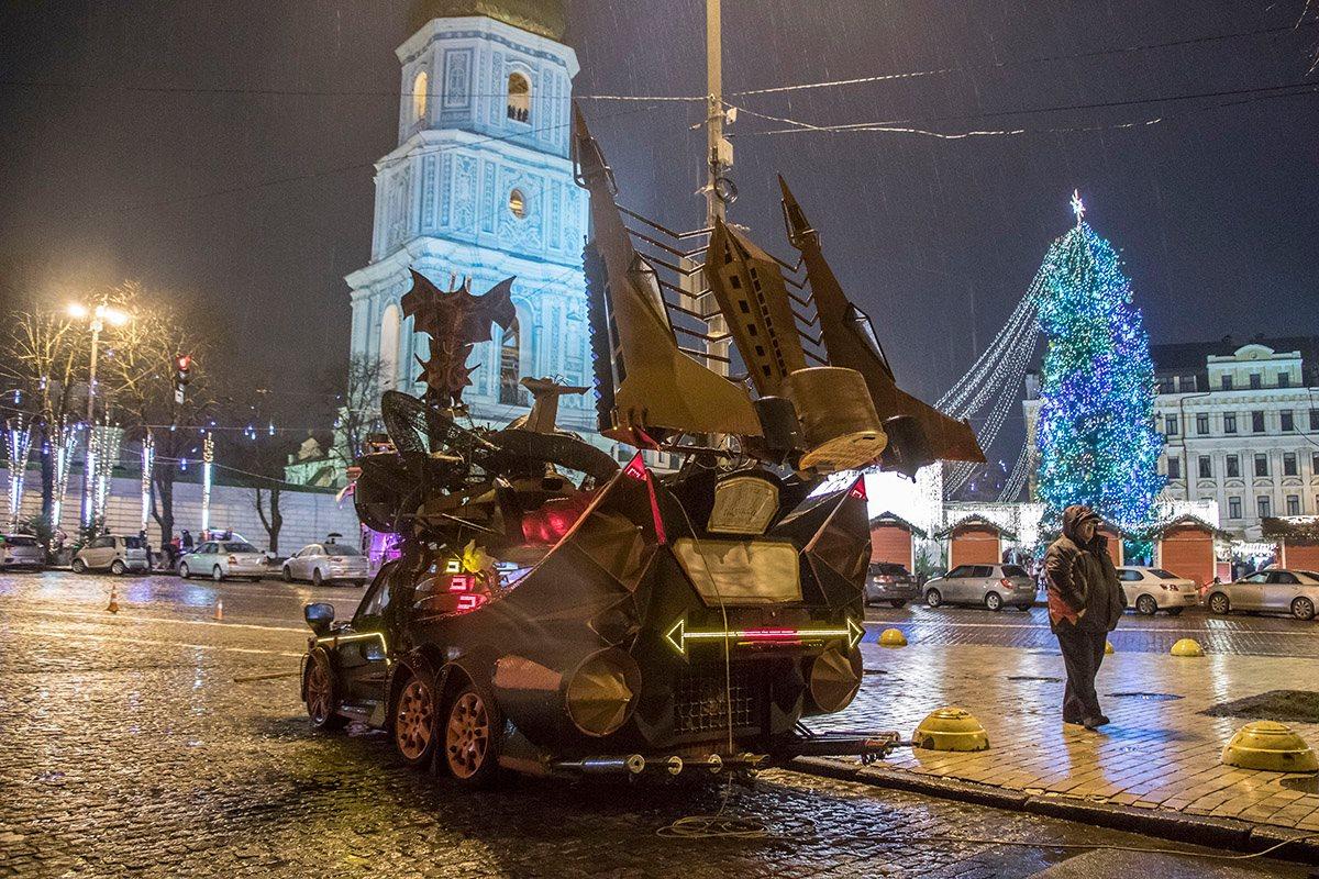 Тачка дежурит на Софийской площади круглые сутки