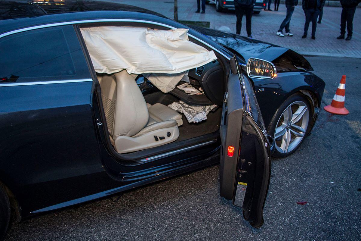 В Audi сработали подушки безопасности