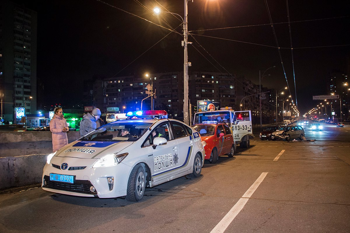 На место ДТП уже выехала патрульная полиция