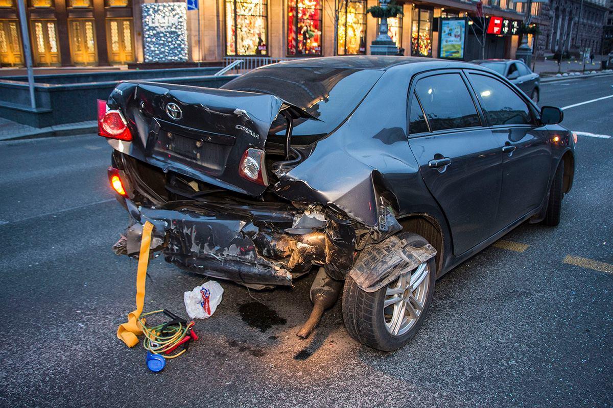 У Toyota повреждена задняя часть