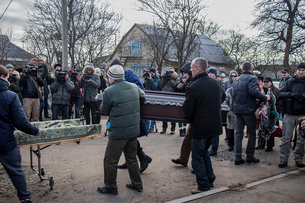 Ирину Ноздровскую похоронили на кладбище в центре села Демидов