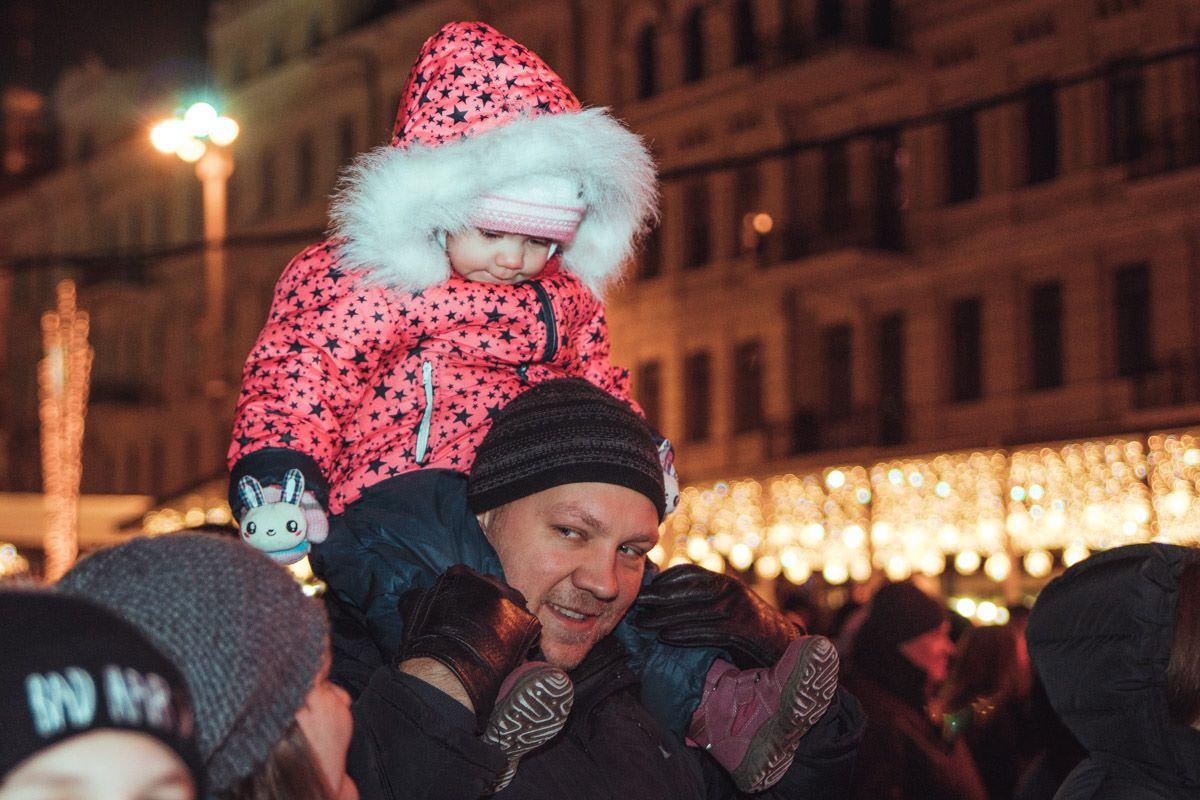Киевляне пришли отметить Старый Новый год вместе с малышами