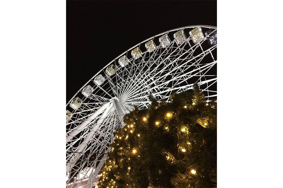 Колесо обозрения возле Михайловского собора в Киеве, фото: k_o_t_y_a_r_a_6_9_