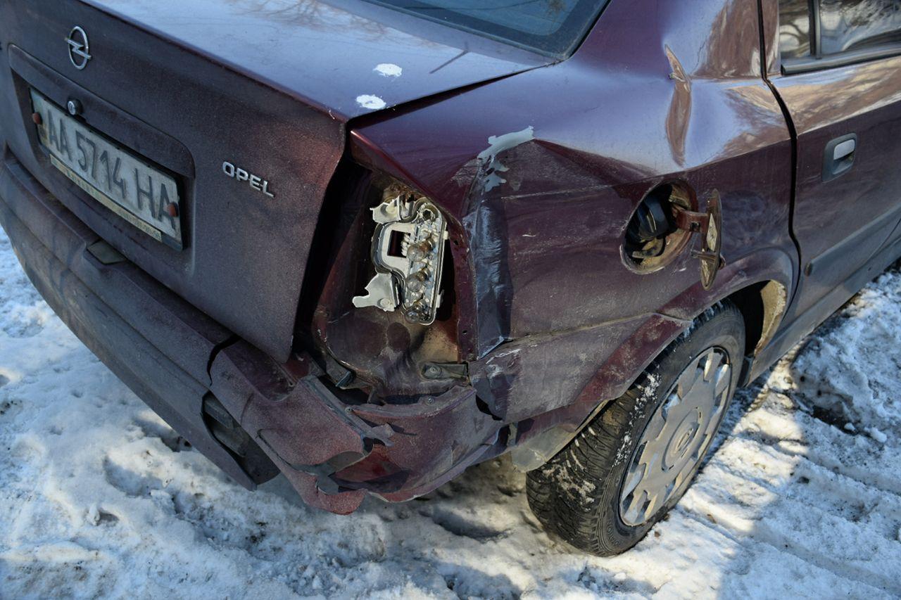 У Opel незначительно поврежден кузов