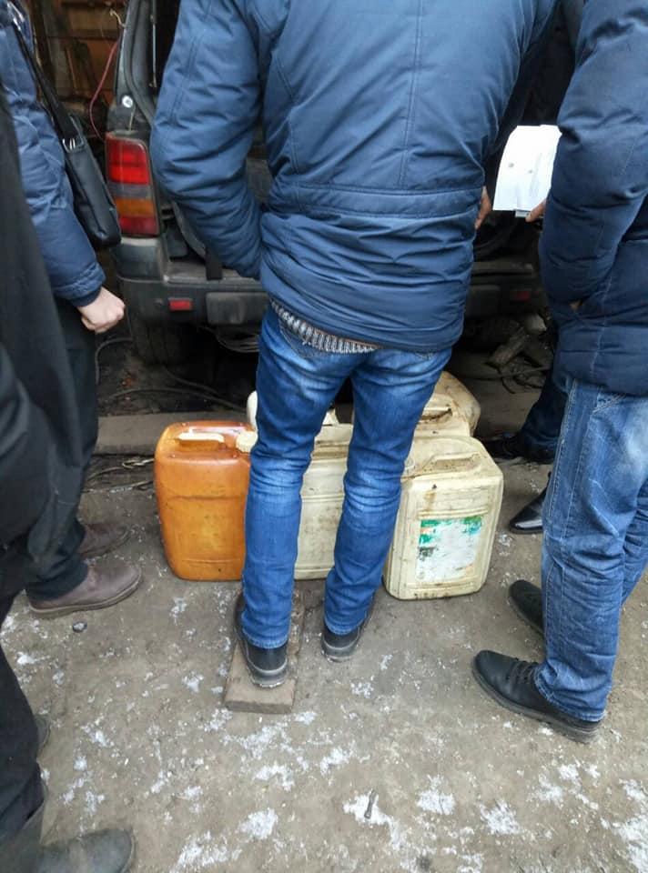Правоохранители изъяли украденное масло