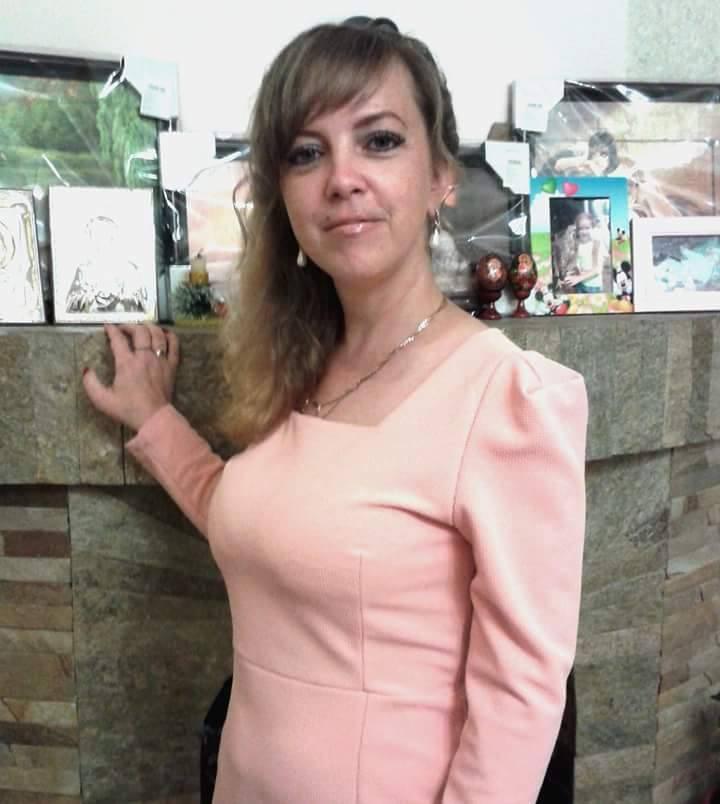 Женщину нашли голой, при этом на ней оставались ювелирные украшения