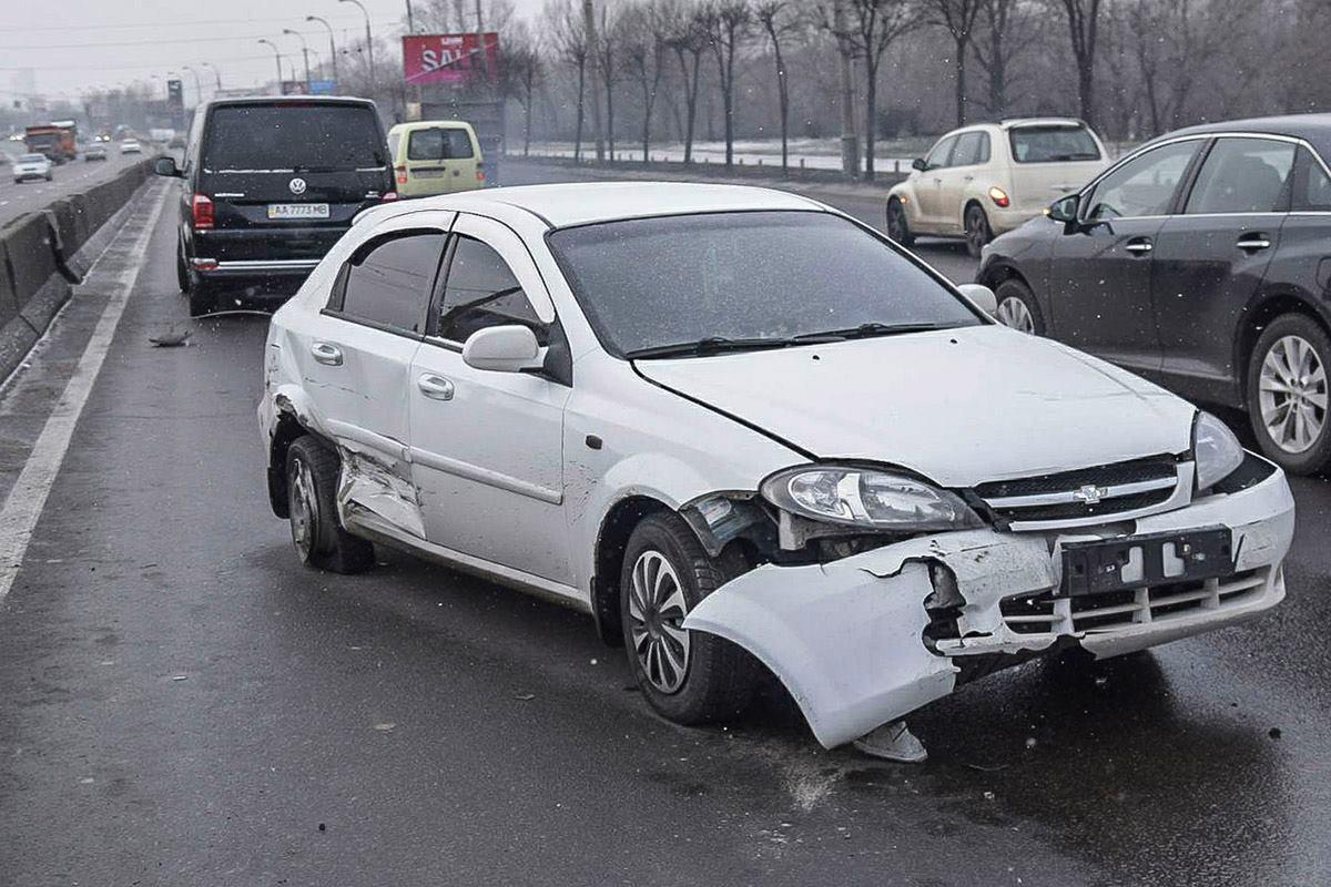 Chevrolet также не смог избежать удара с ВАЗ