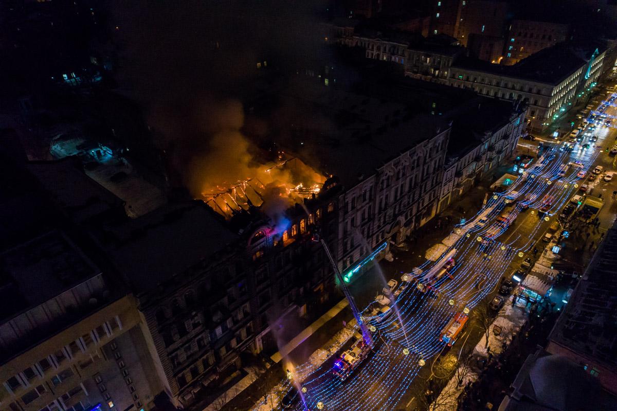 Пожар на Богдана Хмельницкого тушили более трех часов