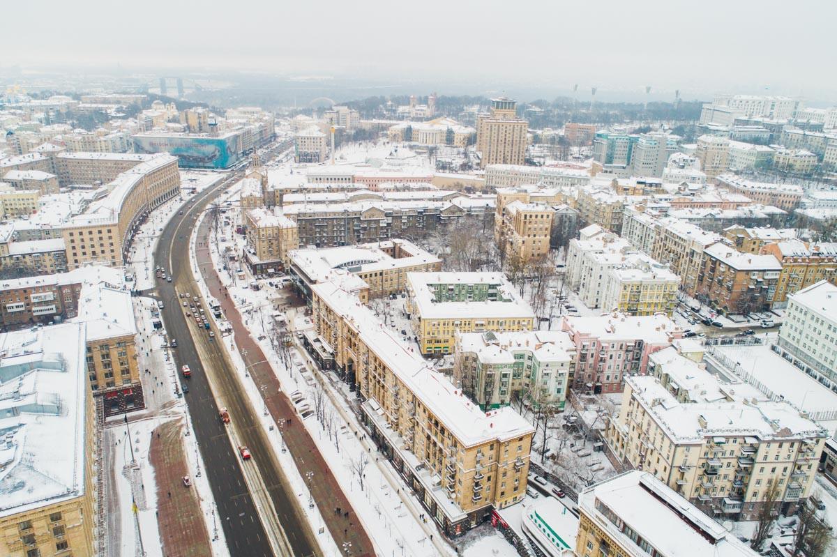 С высоты дома в центре Киева выглядят кукольными