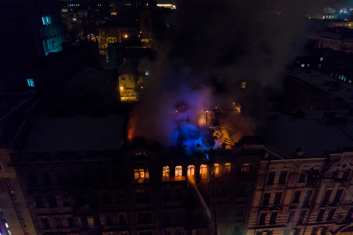 Пожар на Богдана Хмельницкого начался около 19:40