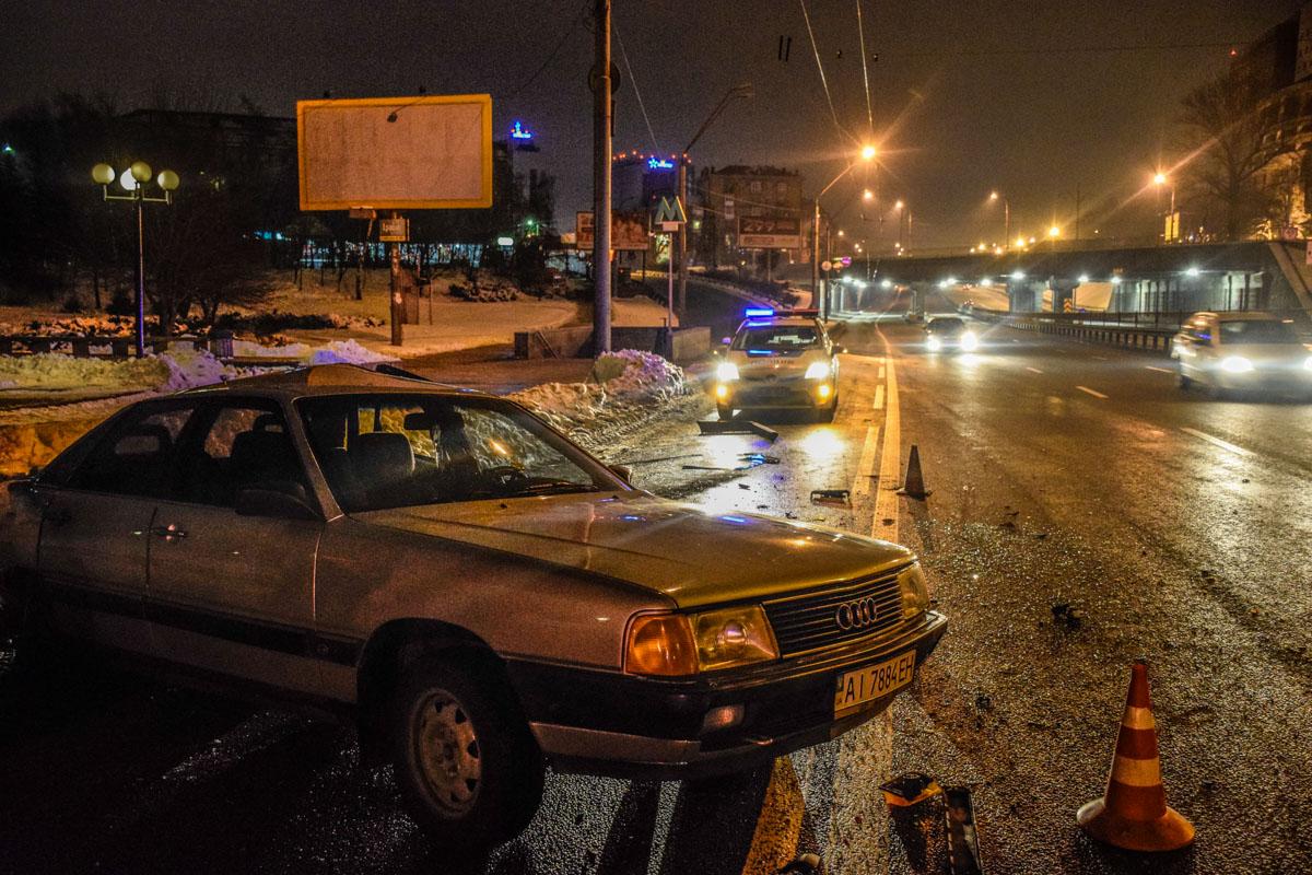 """В районе станции метро """"Берестейская"""" столкнулись Honda Civic,Skoda Fabia иAudi 100"""