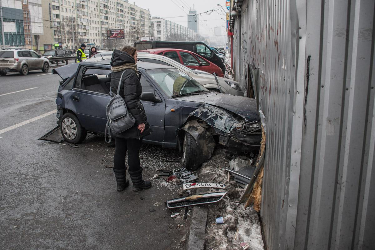 """ДТП произошло возле станции метро """"Политехнический институт"""""""