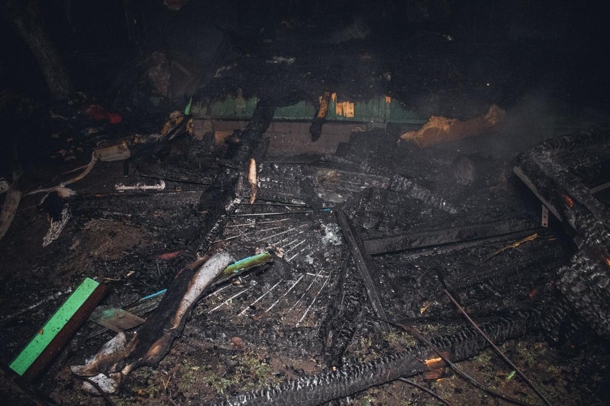 Соседи погорельцев признались журналистам, что из-за игнорирования правил пожарной безопасности будут подавать на своих соседей в суд