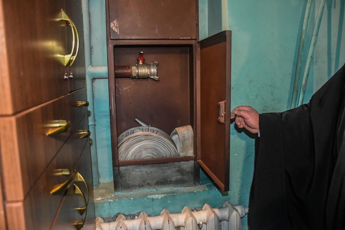 Один из священнослужителей лично провел для правоохранителей экскурсию по собору